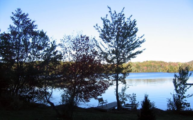 Hearthside Vermont Lake Rental boat dock and beach